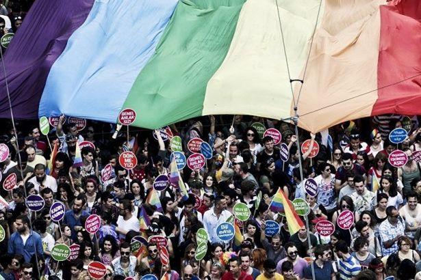 gay-express-Istanbul-Pride-Parade